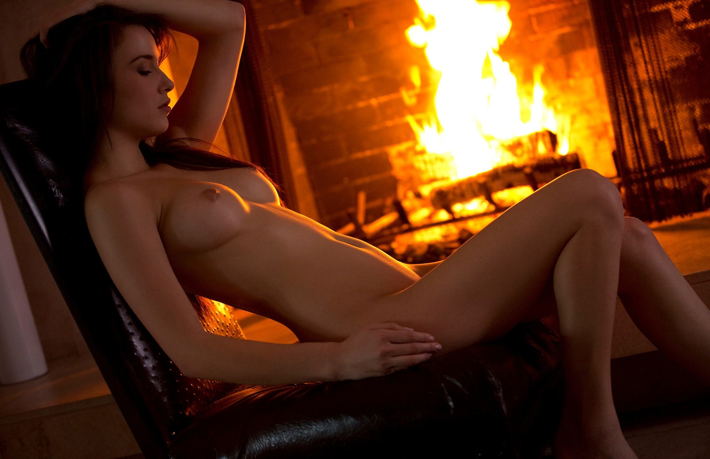 Naked women fire — photo 12