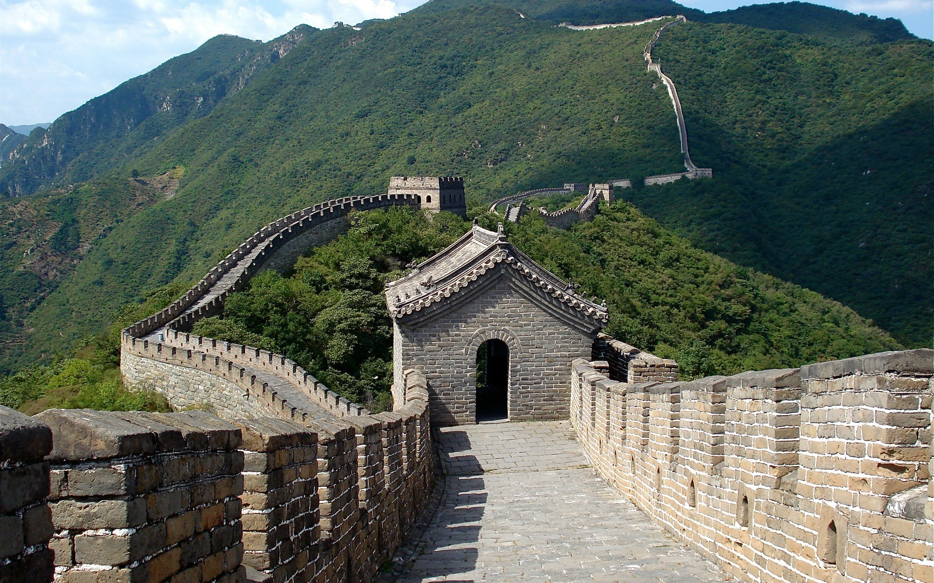 cultural metaphors present in the great wall of china Architectural metaphors are composed of buddha and the great wall are the three distinctive metaphors of china political and cultural metaphors manifest.