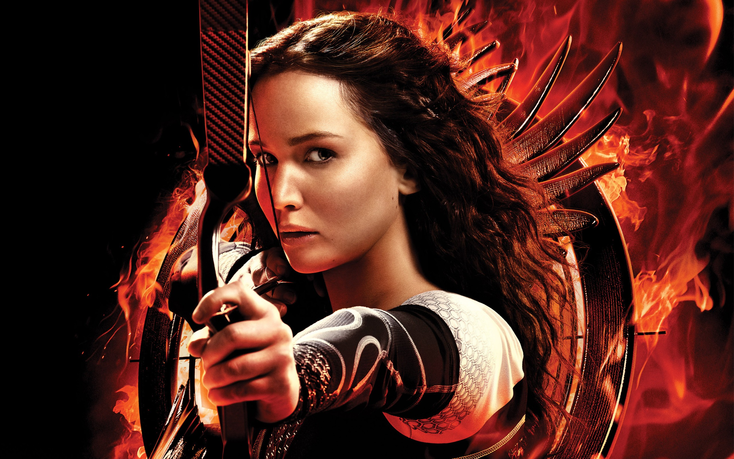 a review of the hunger games movie The hunger games is an effective entertainment, and jennifer lawrence is strong and convincing in the central role but the film leapfrogs obvious questions in its path, and avoids the opportunities sci-fi provides for social criticism compare its world with the dystopias in  gattaca  or  the truman show .